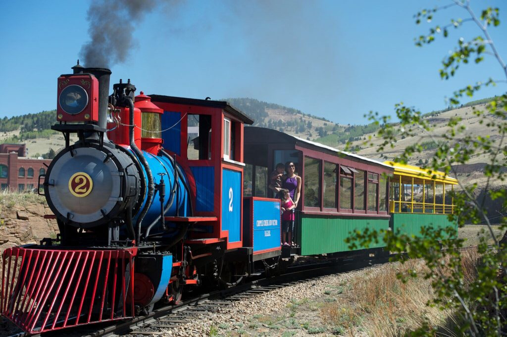 5 Must-Do Family-Friendly Experiences in Colorado Springs